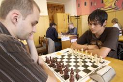 Home_thumbnail_2010-06-01Сезон-шахматных-дуэлей-открыт